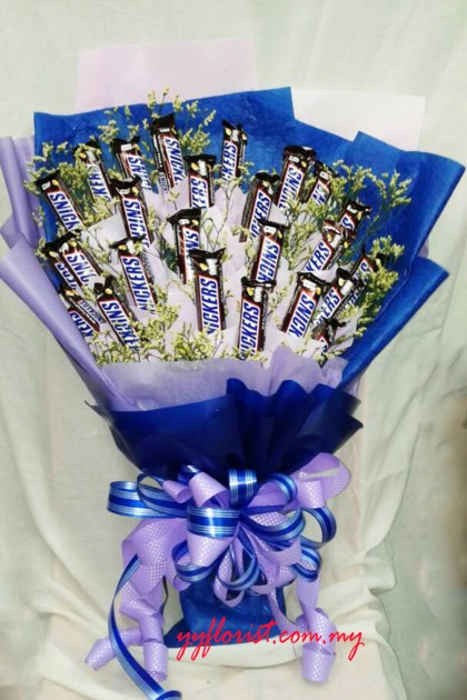 24 Snickers Chocolate bar Bouquet